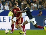 Spanish forward Diego Costa (L) vies with French midfielder Blaise Matuidi (R) during the friendly football match France vs Spain, on September 4, 2014