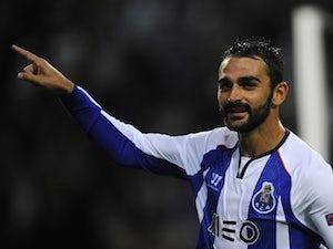 Report: Adrian undergoing Villarreal medical