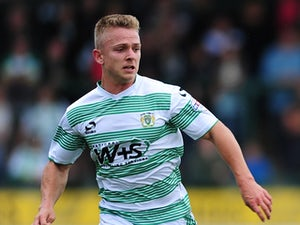 Northampton sign striker Sam Hoskins
