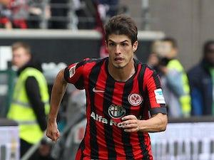Schalke stumble at out-of-form Frankfurt