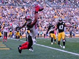 Vincent Jackson #83 of the Tampa Bay Buccaneers catches a game winning touchdown in the fourth quarter against the Pittsburgh Steelers at Heinz Field on September 28, 2014