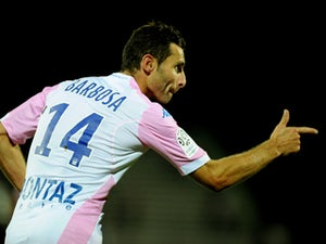 Evian TG ease to surprise win over Metz