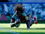 Marland Yarde of Harlequins scores a try during the Aviva Premiership match between Harlequins and London Welsh at Twickenham Stoop on October 4, 2014