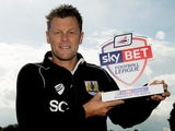 Bristol City manager Steve Cotterill with his Manager of the Month award on October 9, 2014