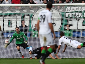 Monchengladbach ease past Hannover