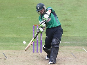 Mitchell extends Worcestershire contract