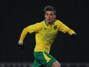 Swindon loan Norwich defender