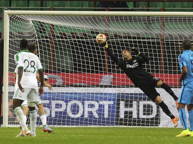 Juan Pablo Carrizo of FC Internazionale Milano dives to save a shot during the UEFA Europa League group F match between FC Internazionale Milano and AS Saint-Etienne on October 23, 2014