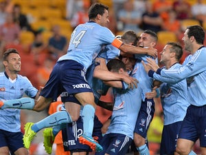Sydney leapfrog Mariners with win