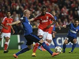 Monaco's Italian defender Andrea Raggi vies with Benfica's Brazilian forward Anderson Talisca during the UEFA Champions League group C football match between SL Benfica and AS Monaco FC at Luz stadium in Lisbon on November 4, 2014