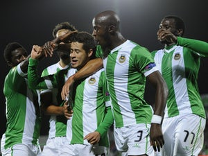 Rio Ave fight off 10-man Arouca