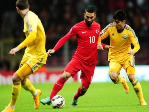 Yilmaz helps Turkey to first qualifying win
