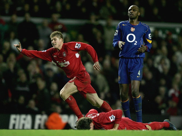 Neil Mellor of Liverpool celebrates scoring the winning goal during the Barclays Premiership match between Liverpool and Arsenal at Anfield on November 28, 2004