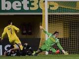 Villarreal's Argentinian forward Luciano Dario Vietto scores during the UEFA Europa League Group A football match Villarreal CF vs Vfl Borussia Moenchengladbach at El Madrigal stadium in Villareal on November 27, 2014