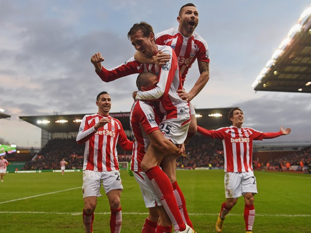 Result: Stoke seal win against 10-man Arsenal