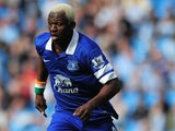 Arouna Kone of Everton runs with the ball during the Barclays Premier League match between Manchester City and Everton at Etihad Stadium on October 5, 2013