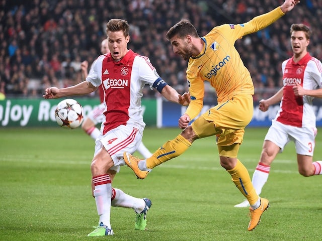 Result: Schone brace fires Ajax to victory