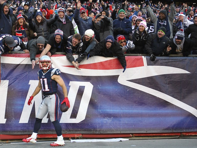 Result: Patriots clinch AFC East with rout
