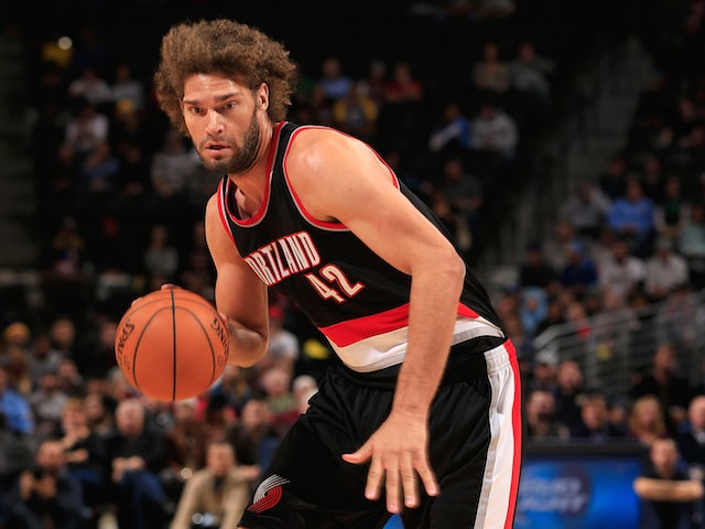 Lopez out with broken hand