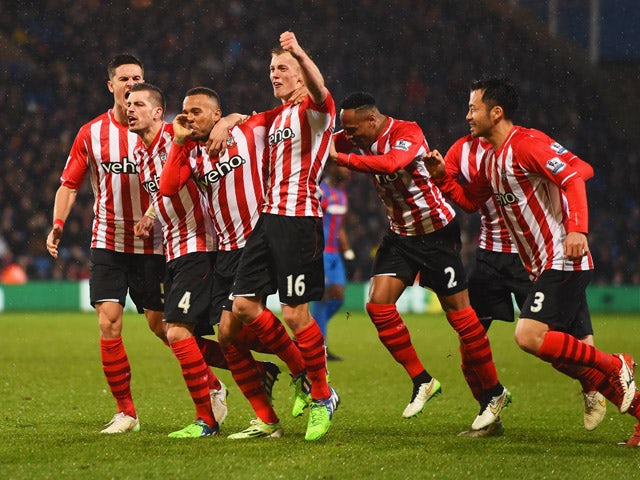 Result: Southampton cruise past Palace