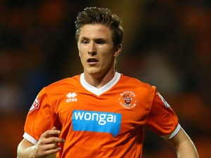 Sheff Utd sign Oxford captain Lundstram