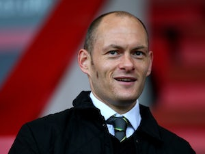 Norwich City manager Alex Neil looks on prior to the Sky Bet Championship match between AFC Bournemouth and Norwich City at Goldsands Stadium on January 10, 2015