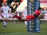 Toulon's Argentinian fly-half Nicolas Sanchez scores a try during the European Rugby Union Champions Cup match between Toulon and Ulster on January 17, 2015