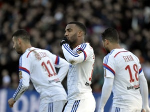 Lyon stay top with Marseille stalemate