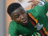 Zambia's Nathan Sinkala (L) in action during the 2015 African Cup of Nations group B football match against Democratic Republic of Congo on January 18, 2015