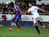 Espanyol's forward Felipe Caicedo (L) vies with Sevilla's Portuguese midfielder Daniel Carrico (R) during the Spanish Copa del Rey (King's Cup) quarter final second leg on January 29, 2015