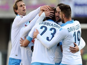 Napoli edge past Chievo