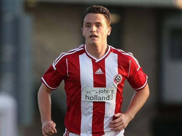 Stephen McGinn joins Hibernian on season-long loan