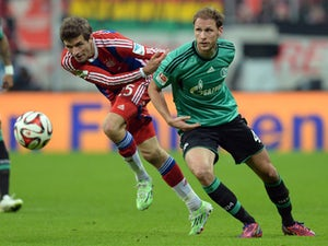 Muller calls on Bayern to do