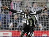 Newcastle United's Ivorian midfielder Cheik Tiote celebrates scoring their equalizing goal during the English Premier League football match between Newcastle United and Arsenal at St James' Park, Newcastle-Upon-Tyne, north-east England on February 5, 2011
