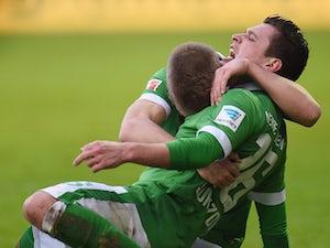 Schalke denied by Prodl header