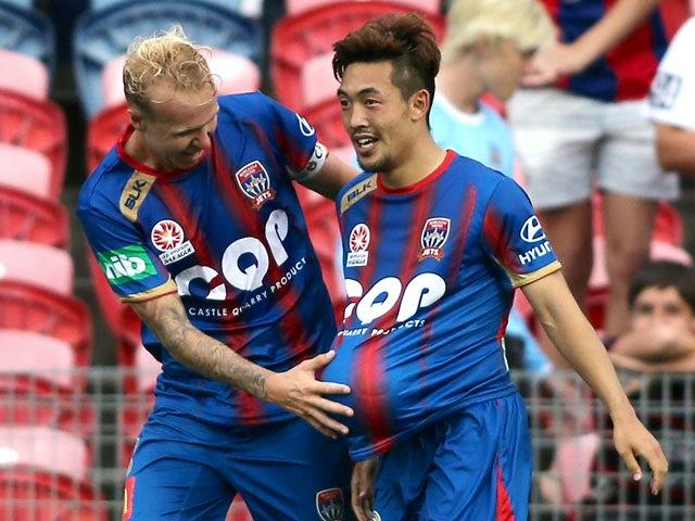 Result: Late penalties earn Jets, Wanderers draw