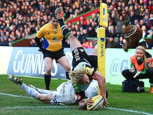 Matt Hopper of Harlequins scores his sides try during the Aviva Premiership match between Harlequins and Exeter Chiefs at the Twickenham Stoop on February 21, 2015