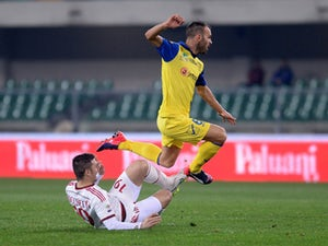 Chievo edge out nine-man Cagliari