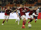 Jeremy Menez of AC Milan scores his goal from the penalty spot during the Serie A match between AC Milan and Hellas Verona FC at Stadio Giuseppe Meazza on March 7, 2015