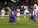 Seydou Keita #20 of AS Roma scores a goal during the UEFA Europa League Round of 16 match between ACF Fiorentina and AS Roma on March 12, 2015