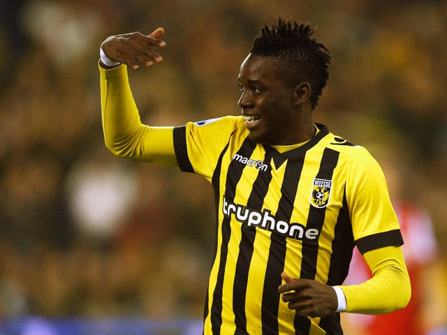 Bertrand Traore of Vitesse celebrates scoring the first goal of the game during the Dutch Eredivisie match between Vitesse Arnhem and AZ Alkmaar held at Gelredome on March 13, 2015