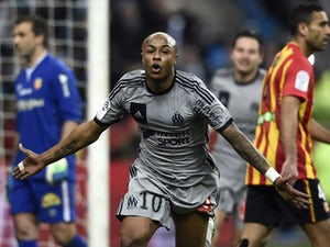 Marseille keep pressure on top two