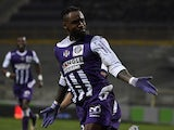 Toulouse's French defender Jean-Armel Kana Biyik celebrates after scoring a goal during the French L1 football match Toulouse vs Bordeaux on March 21, 2015