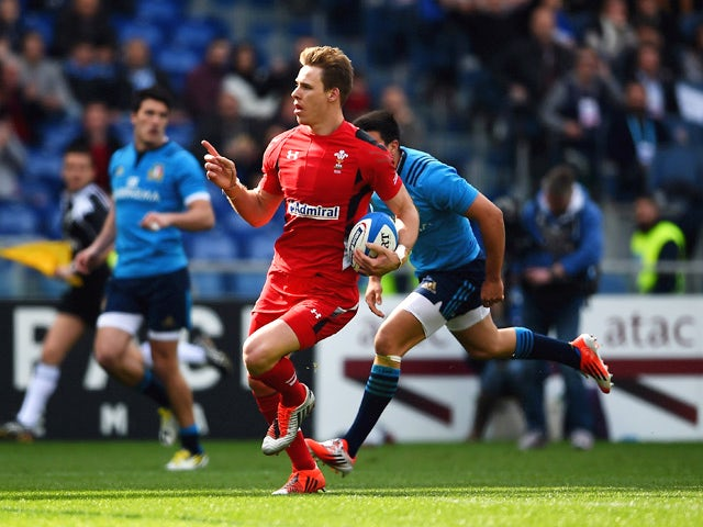 Result: Wales thrash Italy to keep title hopes alive
