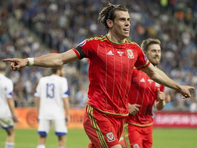 Result: Wales beat 10-man Israel to top Group B