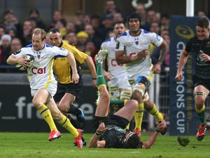 Nick Abendanon of Clermont Auvergne breaks clear to score a try during the European Rugby Champions Cup quarter final match between Clermont Auvergne and Northampton Saints at the Stade Marcel Michelin on April 4, 2015
