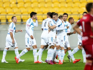 Result: Finkler double sends Melbourne Victory top