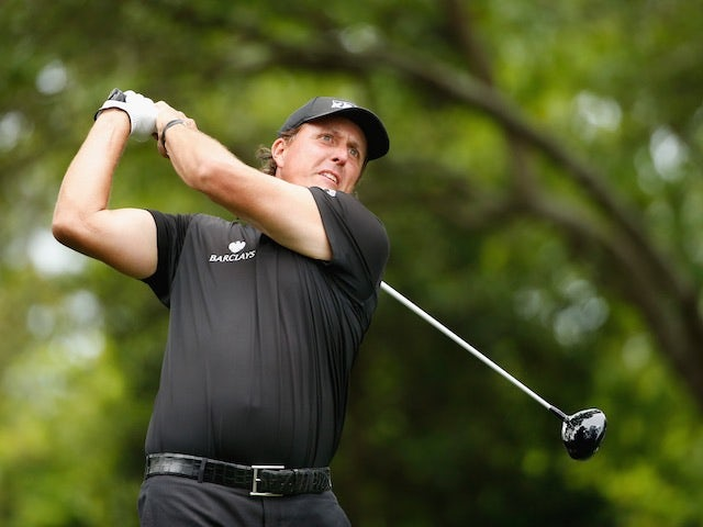Mickelson v Woods: Multimillion-dollar prize pot creates pressure for us