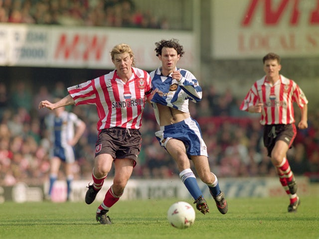 Barry Venison of Southampton challenges Ryan Giggs of Manchester United for the loose ball during the FA Carling Premiership match between Southampton and Manchester United held on April 13, 1996