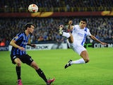 Brugge's defender Davy De Fauw (L) vies with Dnipro's Dutch defender Daryl Janmaat (R) during the UEFA Europa League quarter-final football match between Club Brugge and Dnipro at Jan Breydel stadium in Bruges on April 16, 2015